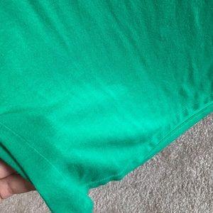 George Tops - Women's green basic tee — size S